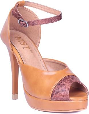 Gnist Women Tan Heels
