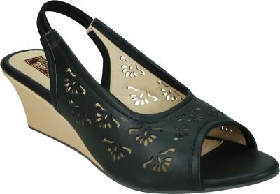 SMART TRADERS Women Sandals