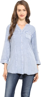 Free & Young Women's Solid Casual Blue Shirt