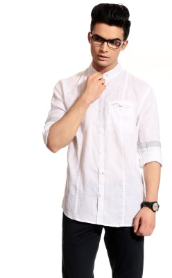 Cotton Crus Men,s Solid Casual White Shirt