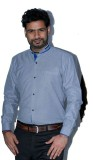 The Mods Men's Solid Casual Blue Shirt