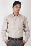 Ignu Men's Solid Casual Brown Shirt