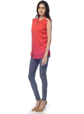 Desi Belle Women's Solid Casual Red Shirt