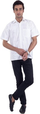 Scot Wilson Men,s Solid Casual White Shirt