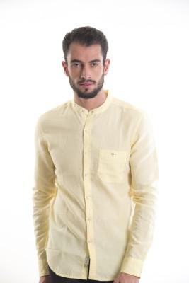 Kart & Kriss Men's Solid Casual Yellow Shirt