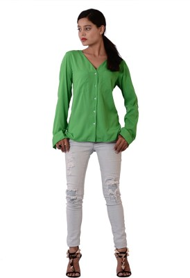 Fashnopolism Women's Solid Casual Green Shirt