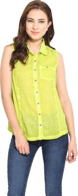 Free & Young Women's Solid Casual Green Shirt