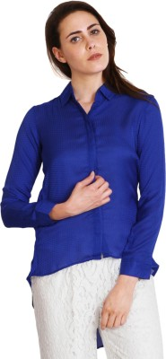 SOIE Women's Solid Casual Blue Shirt