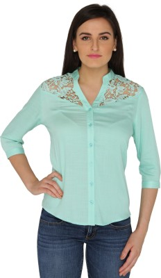 Philigree Women's Solid Casual Green Shirt