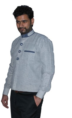 The Mods Men's Solid Casual Grey Shirt