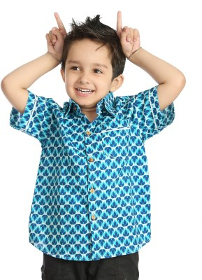 Little pocket store Boy's Printed Casual Blue Shirt