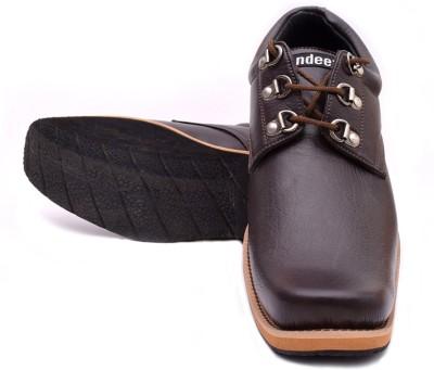 ndeez Boots