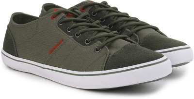 United Colors of Benetton Men Sneakers at flipkart