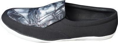 Beta Panchu Canvas Shoes