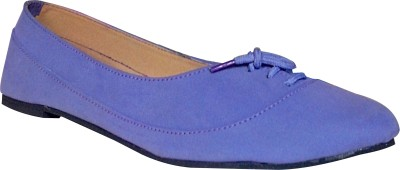 A M International Her Casual Shoes