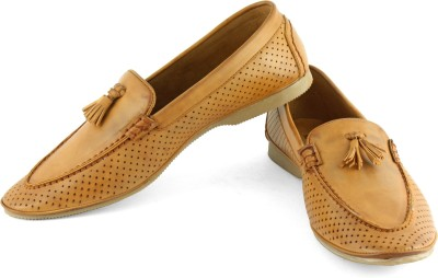 DeVEE Non-essential Roberto C. Tan Loafers