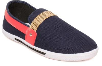Maxis Walking Shoes