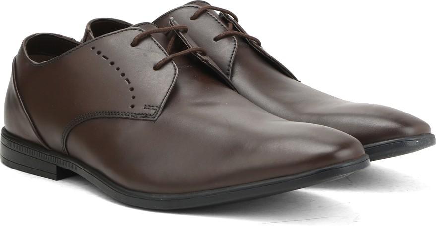 Deals - Dehradun - Clarks, Red Tape.. <br> Mens Formal Shoes<br> Category - footwear<br> Business - Flipkart.com