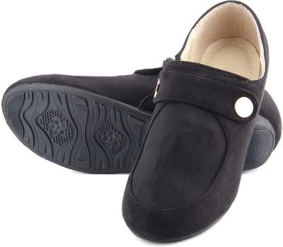 Pinq Chiq Casual Shoes
