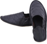 Foot Looks Sneakers (Black)
