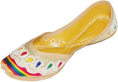 DesiArchies Golden Rainbow Punjabi Jutis