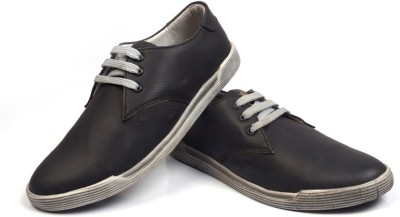 Marks Super Dry Outdoors, Casuals