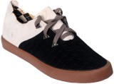 Vittaly Sleek Casual Shoes (Black)