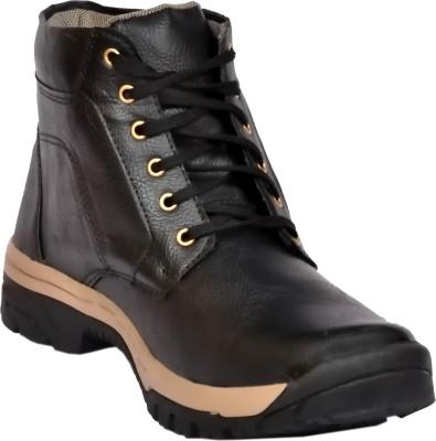 R V International Boots
