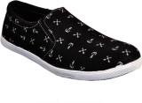 Huggati Casual Shoes (White)