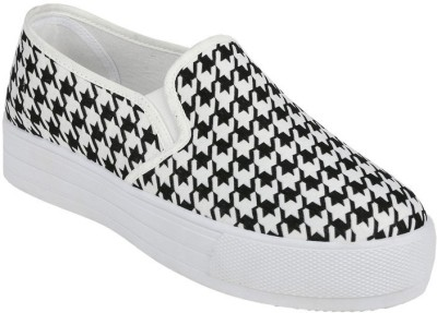 Wanderlust Casual Shoes