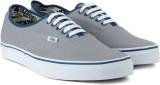VANS AUTHENTIC Men Sneakers (Blue, Grey)