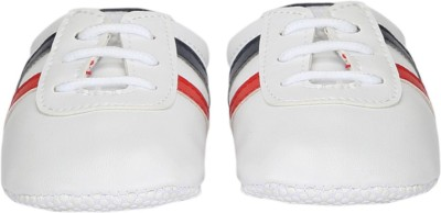 Label First Casuals, Sneakers