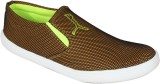 Nexq Casual Shoes (Yellow, Green)