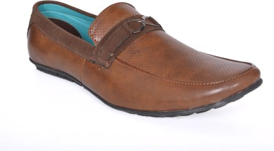 Walk Free Stylish Brown Casual Shoes