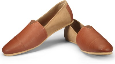 FUNK Voug Tan Leather Look with Tan Suede Casuals(Tan, Beige) at flipkart