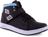 V5 Sneakers Shoes (Black, Blue)