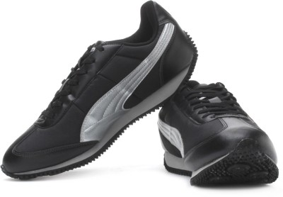 Puma Speeder Tetron II Running Shoes(Silver, Black) at flipkart