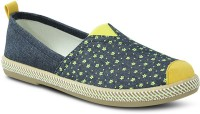 Get Glamr Floral Slip Ons Canvas Shoes(Green)