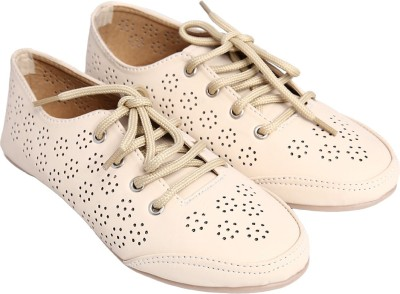 Jade Bellies(Beige) at flipkart