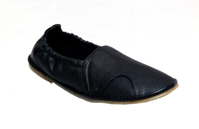 Wave Walk Refind Black Casual Shoes