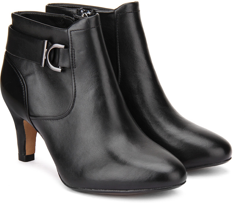 Clarks Women Boots(Black)