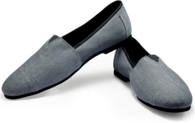 FUNK Moug Grey Casual Shoes(Grey) at flipkart