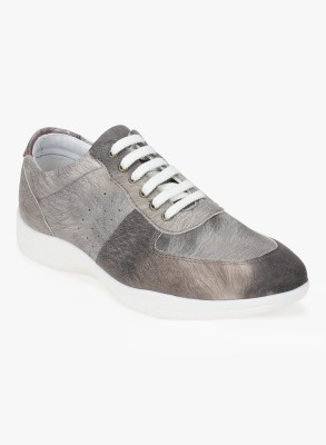 Knotty Derby Sneakers