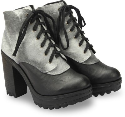 Knotty Derby Delacour Ankle Boots(White)