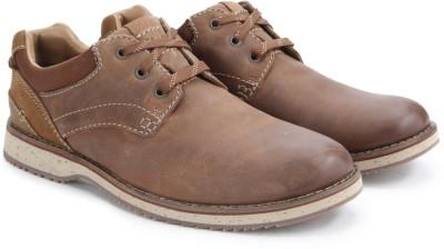 Clarks Mahale Plain Tan Leather Sneakers