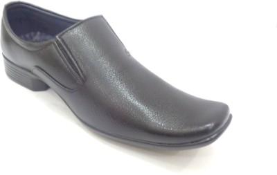 footspur Walking Shoes