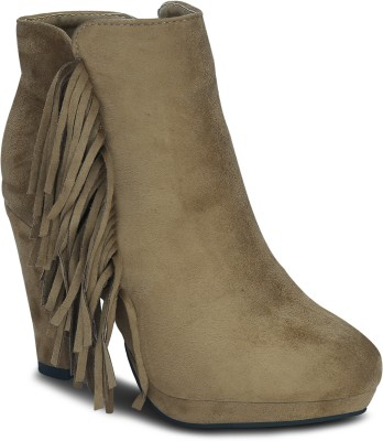 Get Glamr PEARL Boots(Beige)