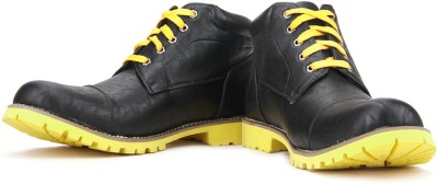 Perseus Men Boots(Black, Yellow)