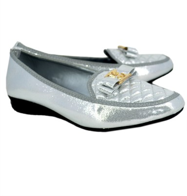 Blue Parrot 7015 Silver Closed Toe Belly