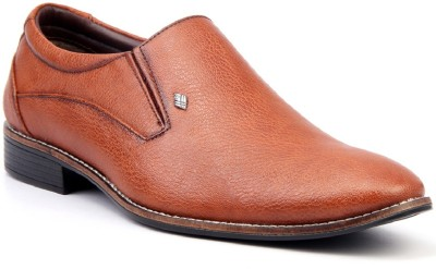 Mactree Dexter Slip On